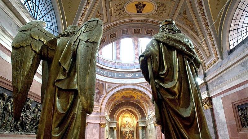 Plusz kétmilliárd megy a budapesti eucharisztikus kongresszusra