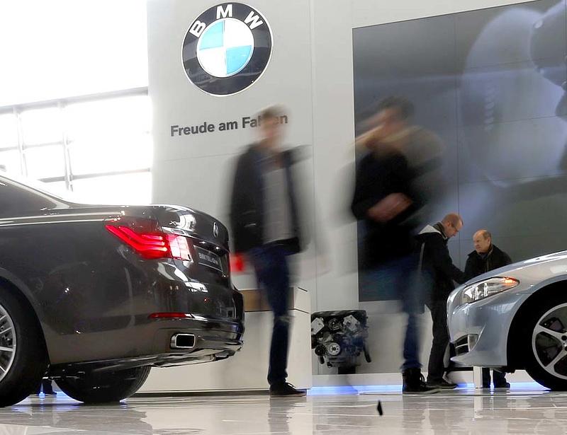 A BMW 200 ezer autót hív vissza