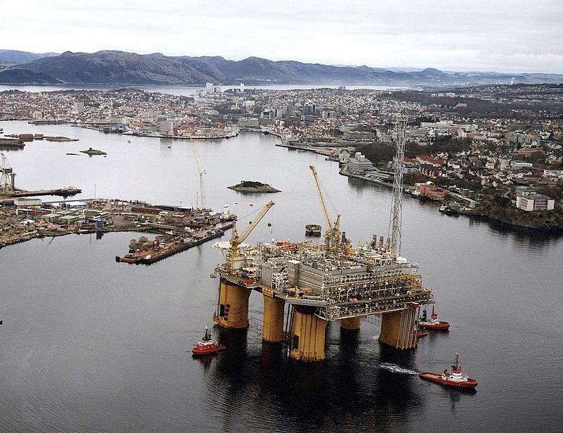 Jelentősen visszaesett az olajipar profitja