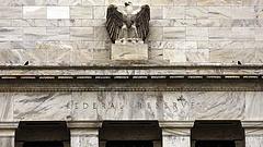 Lemondott a Fed egyik kormányzója