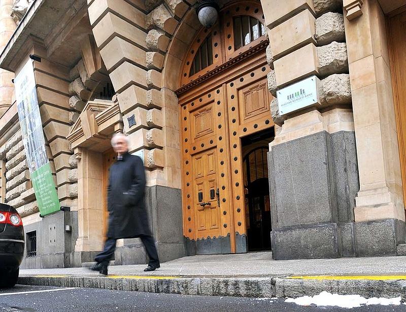 A Hungária miatt bírságolt az MNB