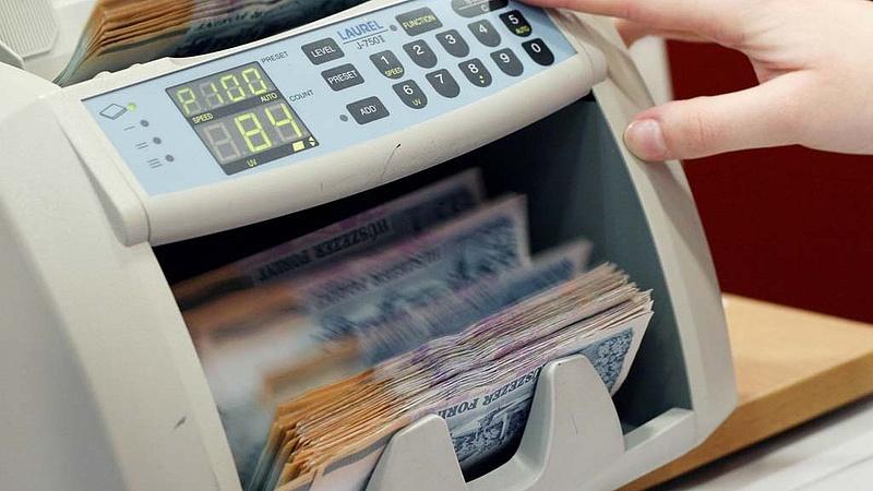 Újabb bombameglepetés az államháztartásban - Óriási pénzszórás jöhet