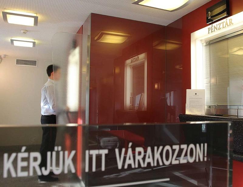 Meglepetés: a magyar állam veszi meg az MKB-t!