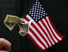 Trump elvághatja a dollár nyakát