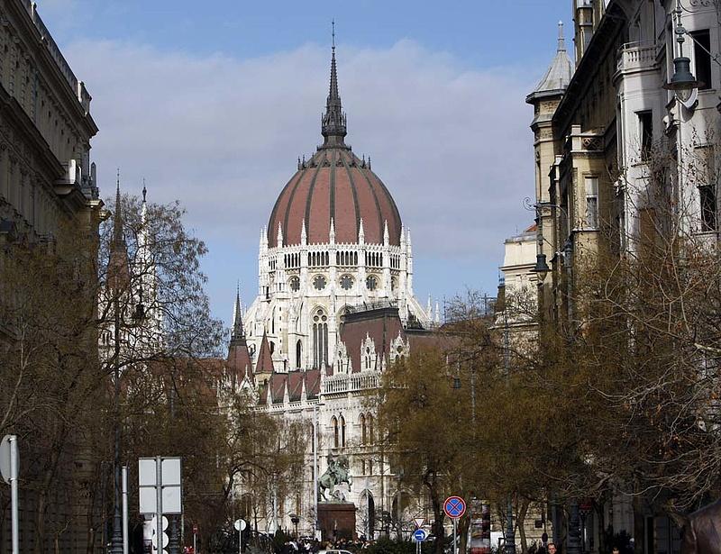 Kikerül Magyarország az edp-ből londoni elemzők szerint