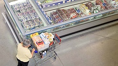 A bolti dolgozók is bukhattak a kijárási tilalom miatt, hatalmas túljelentkezés a láncoknál