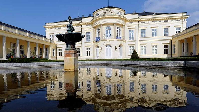 Csak nagyon drágán vállalták volna a Károlyi-kastély felújítását