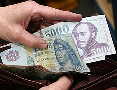 Kisebb lesz a nyugdíjemelés, több adót fogunk fizetni 2015-ben