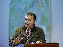 Orbán reggel 8-kor megszólal