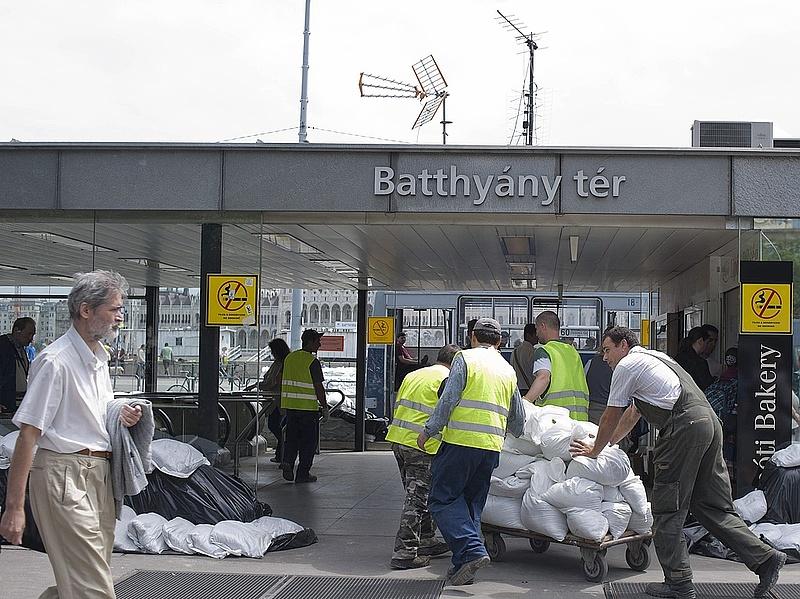 Tarlós: lezárják a Batthyány téri metróállomást