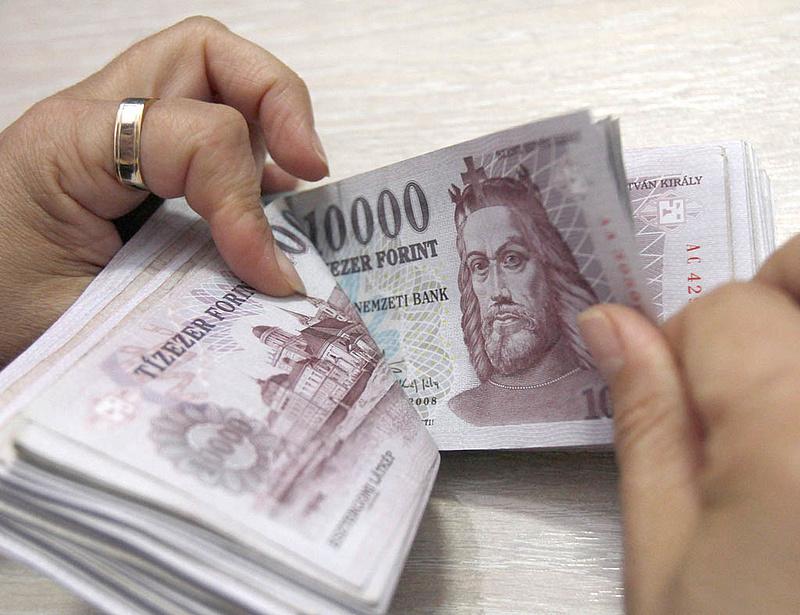 Ki nem találná, honnan lesz pénz a Széchenyi Bank kárenyhítésére