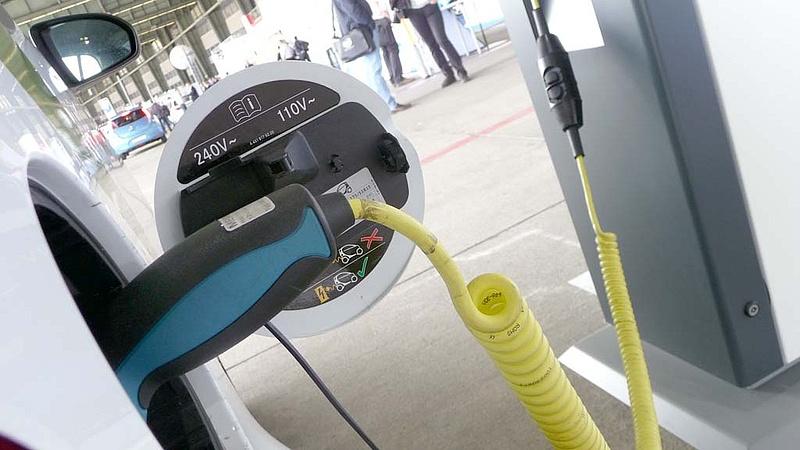 Lassan pörög fel az elektromos autók piaca