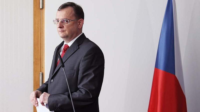 Hamis tanúskodás miatt vádat emeltek a volt cseh kormányfő ellen