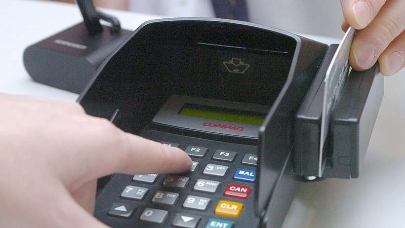 Nagy változás jön a fizetéseknél - Ezek az új szabályok