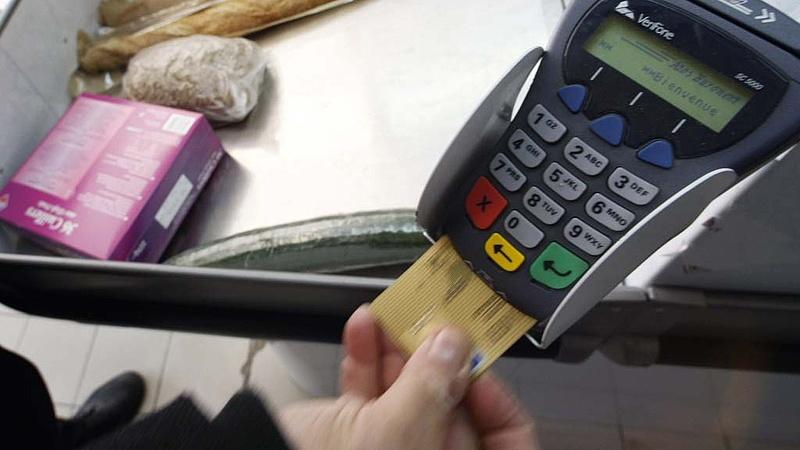 Újabb csapást kap a készpénz