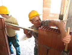 Munkaerőhiány van, mégsem terveznek felvételt az építőiparban