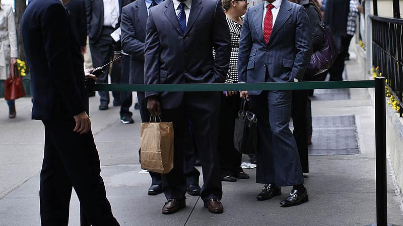 A vártnál nagyobb mértékben nőtt a munkanélküli segélyt kérő amerikaiak száma