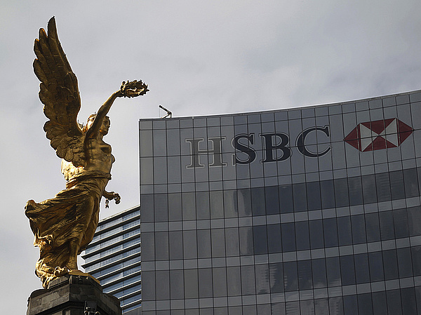 Hatalmas részvény-visszavásárlásra készül a nagybank az HSBC