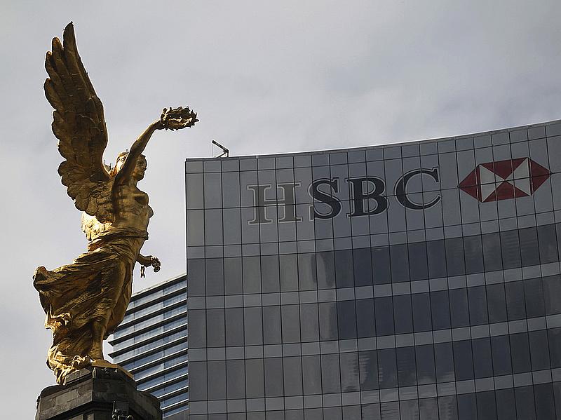 Kivonul az adóparadicsomból a HSBC