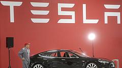 Nagy bajba került a Tesla
