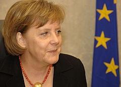 Merkel-Putyin találkozó lesz Moszkvában
