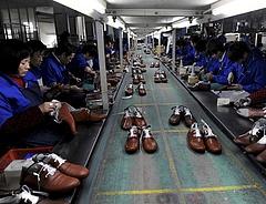 """Lassult a kínai feldolgozóipar - a környezetvédelem is """"segített"""""""