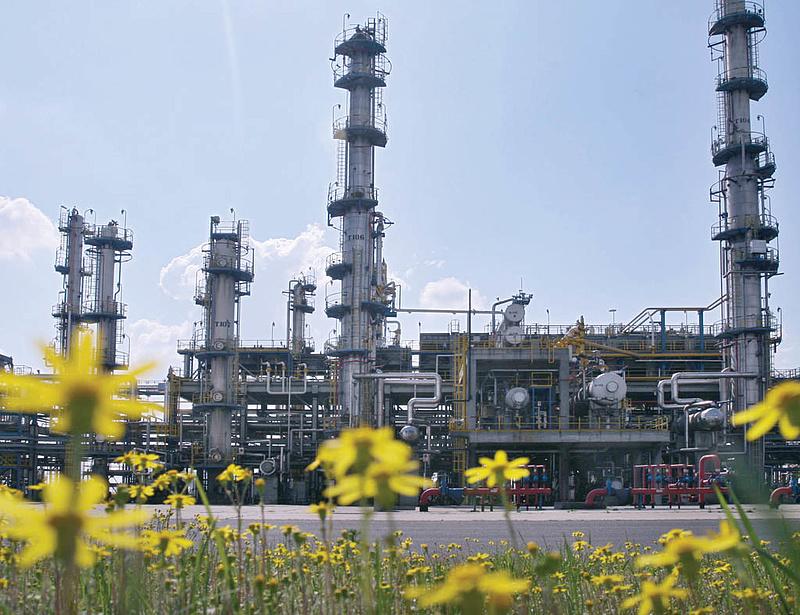 Jót is tehet az olcsó olaj az IMF szerint
