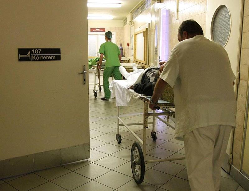 Ennyivel nőtt a kórházak tartozása áprilisban