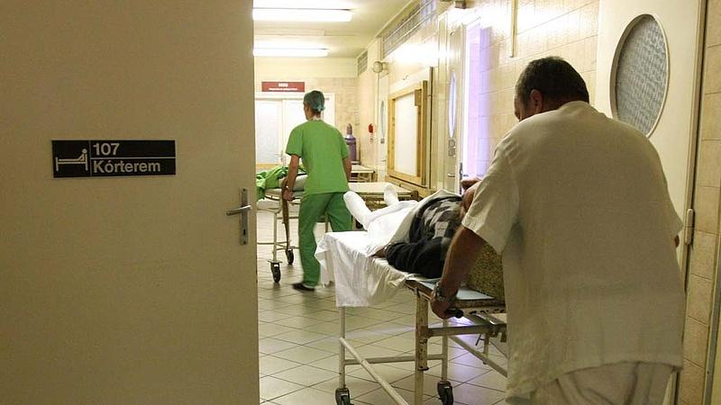 Káosz a bérfizetésben: a kórházban dolgozóknak sem sikerült az utalás