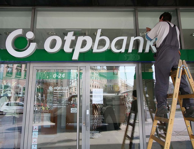 Adathalász e-mailekkel támadják az OTP Bank ügyfeleit