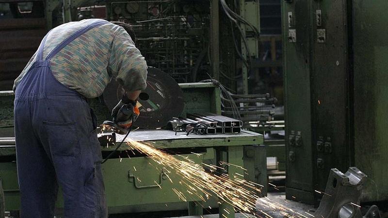 Elég erősen bezuhant a magyar ipar