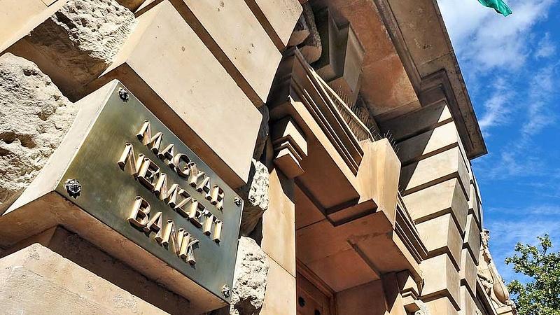 Pénzritkaság érkezett a magyar piacra