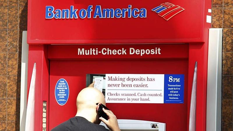 Feleződött a Bank of America negyedéves profitja