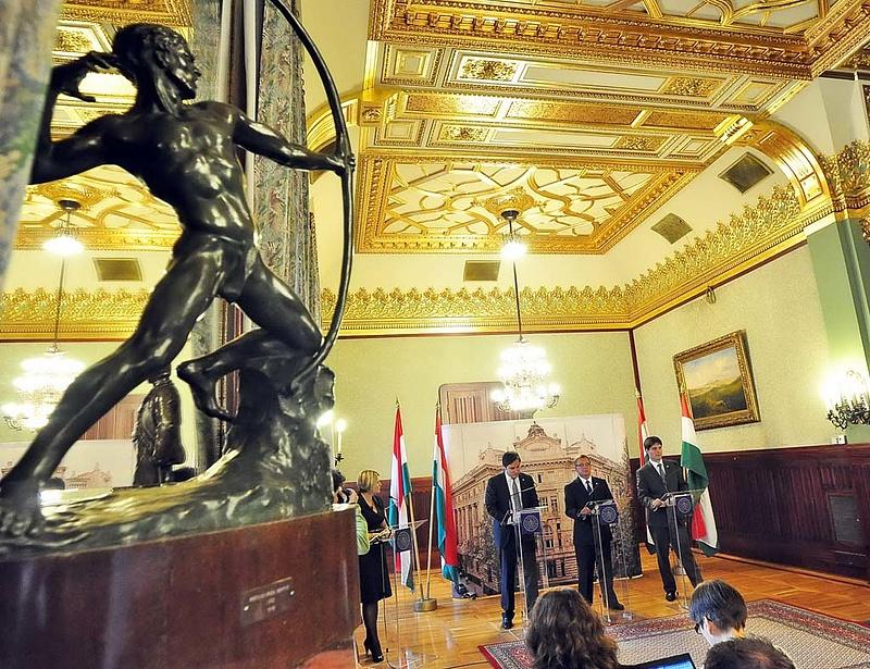Miben bízhat még Orbán? (FT)