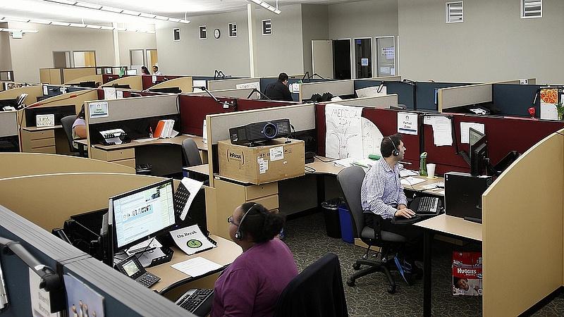 Hétvégén toboroz az amerikai szolgáltató központ