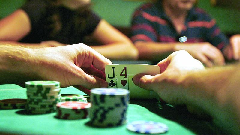 Vajna már online is kaszinózik