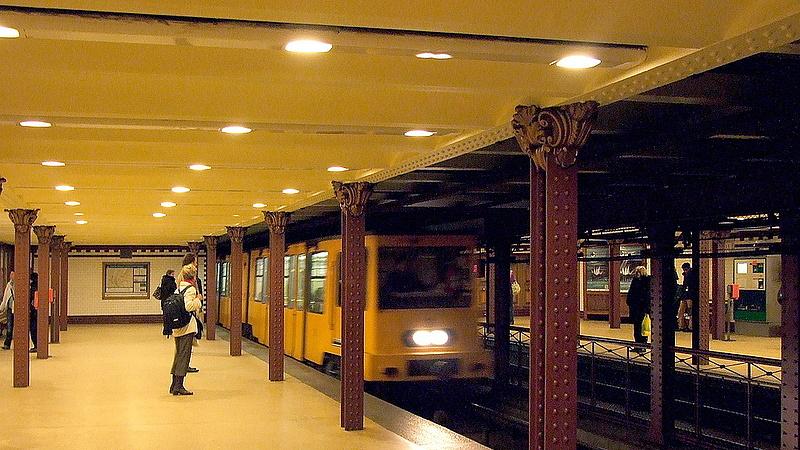 Új kocsik jöhetnek az 1-es metróra