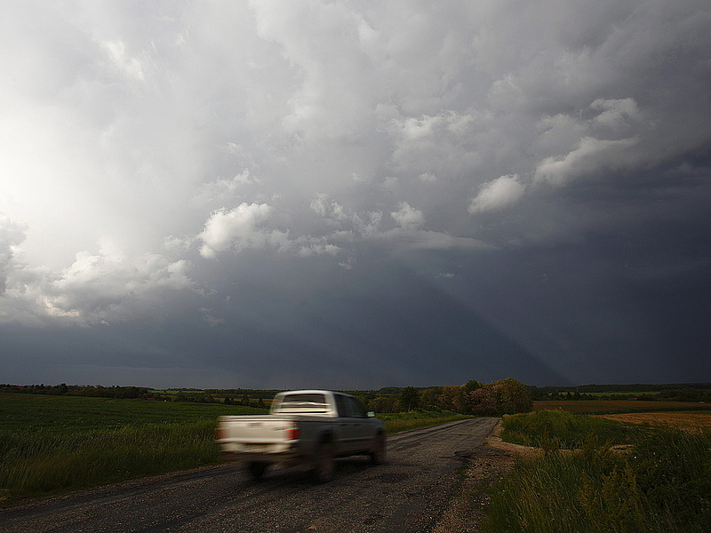 Itt a figyelmeztetés: égszakadás csaphat le az országra kedden