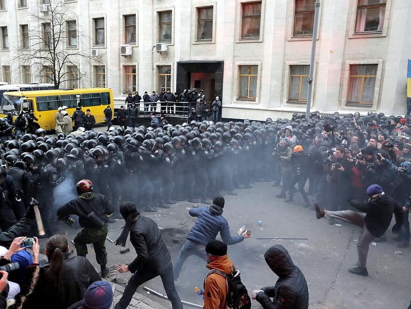 A tüntetők elfoglalták a kijevi városházát