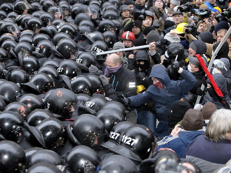Megbénult Kijev a tüntetések miatt