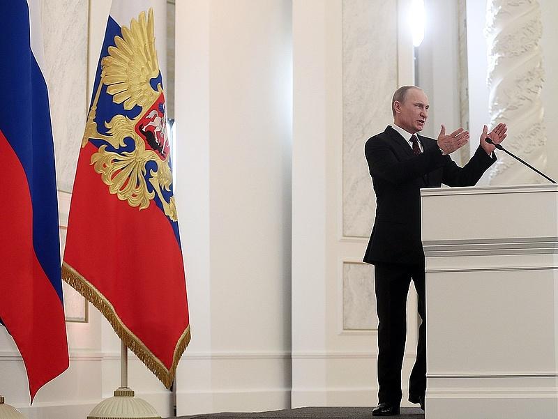 Putyin hajlandó finomítani az alkotmányon