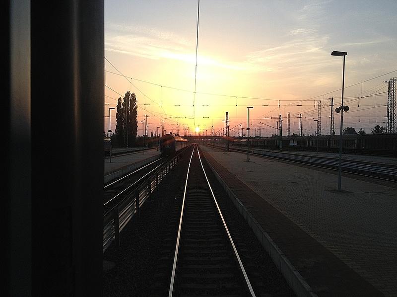 Lassít a magyar lokomotív