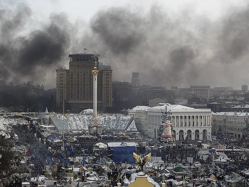 A hadsereg felszólította Janukovicsot, tegyen rendet