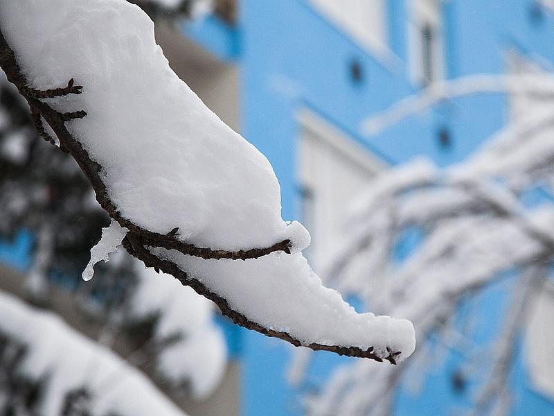 Európában is fennakadásokat okoz a hó és a jég