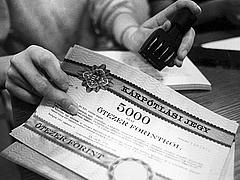 Kárpótoltak követelik a pénzüket az államtól