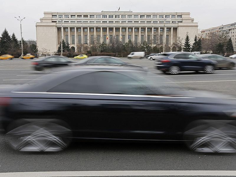 Drágulhat az üzemanyag Romániában - adóemelés készül