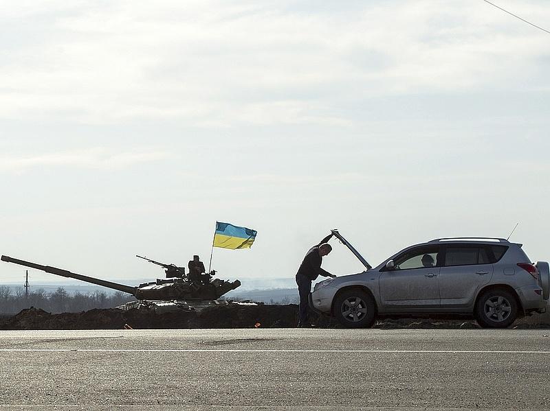Megkezdődhet a nehézfegyverek kivonása az ütközőzónából Kelet-Ukrajnában