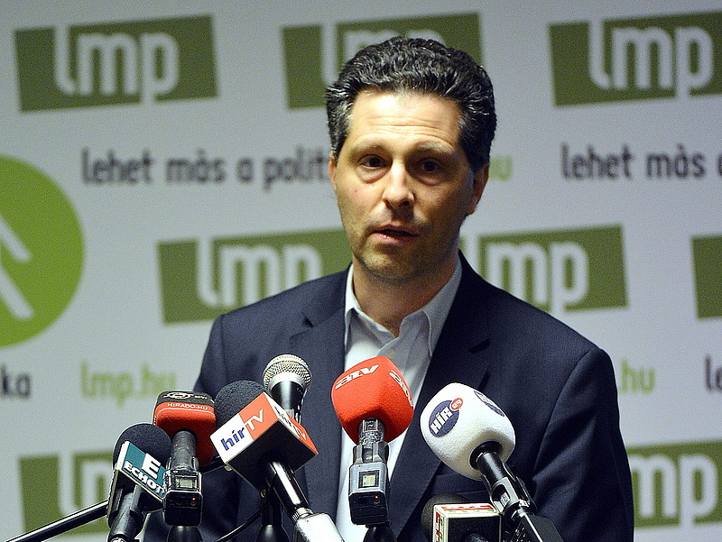 Megint megvédte a Fidesz az ügynököket