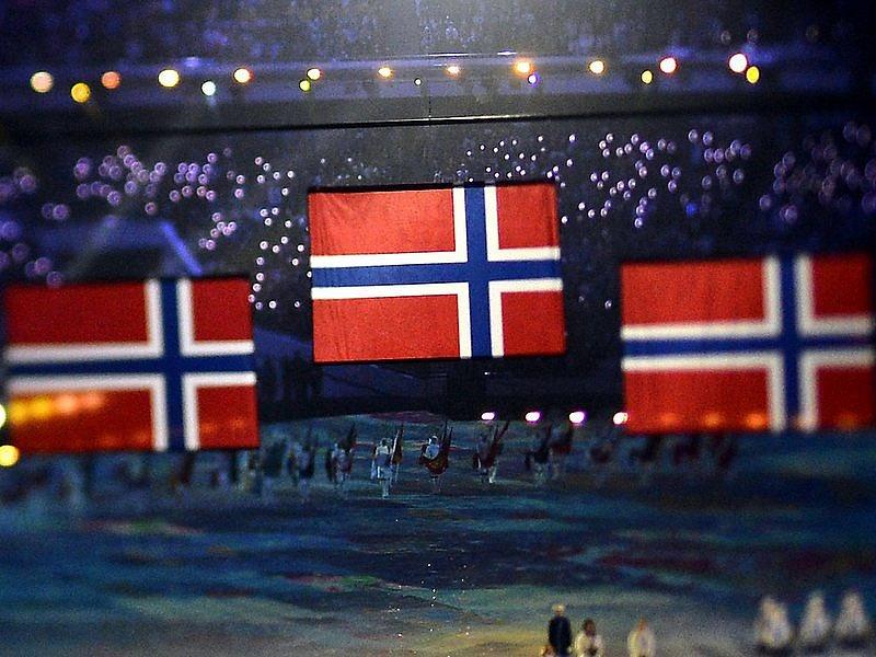 Az összes norvég támogatást kezelő alapítvány adószámát felfüggesztik