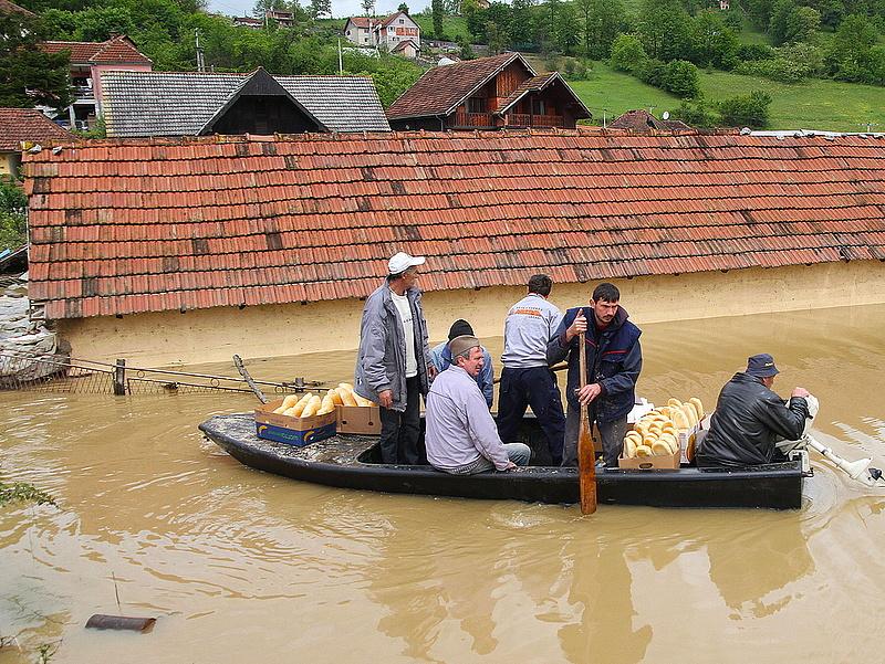Szomszédunkban tombol az árvíz
